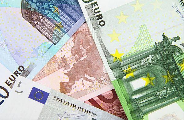 Bankitalia, in calo i prestiti alle imprese (Report)