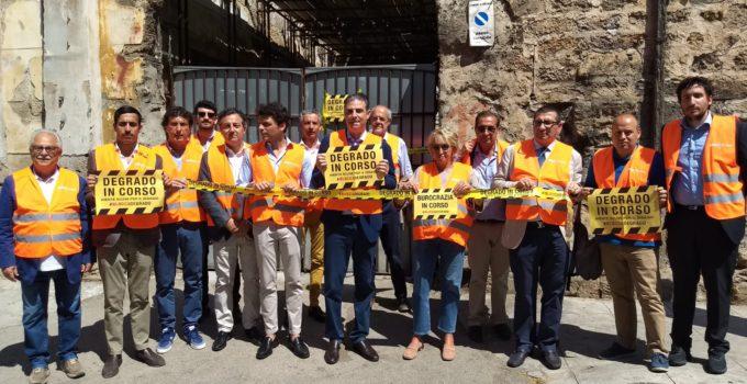 #Bloccadegrado: a Palermo la mobilitazione dei nastri gialli