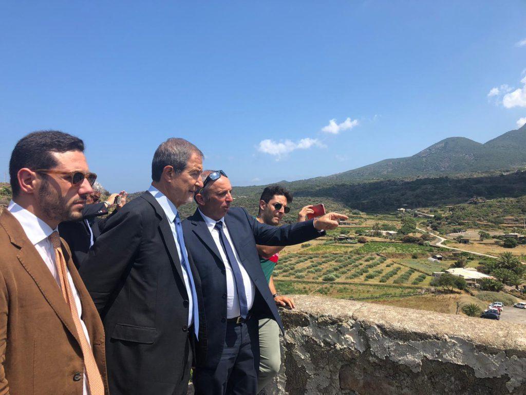 Visita lampo di Musumeci a Pantelleria