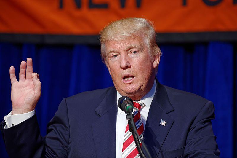 Trump a Dayton tra le proteste