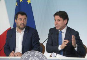 Open Arms, Salvini autorizza lo sbarco dei minori