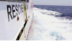 Nuovo sbarco a Lampedusa mentre continua l'odissea di Open Arms