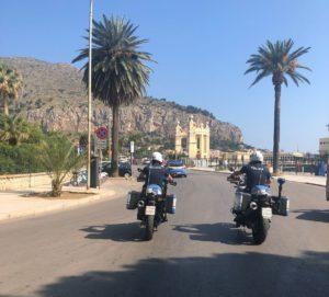 Furti di zaini a Mondello, la polizia arresta due giovani di Monreale