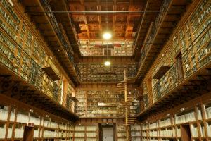 Biblioteche e siti culturali: dal 29 apertura graduale, tornano i libri in prestito