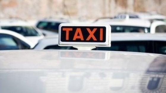 Denunciato tassista abusivo a Palermo