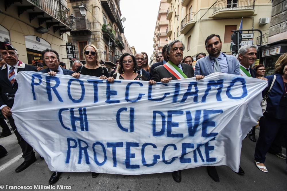 Corteo solidale a Palermo