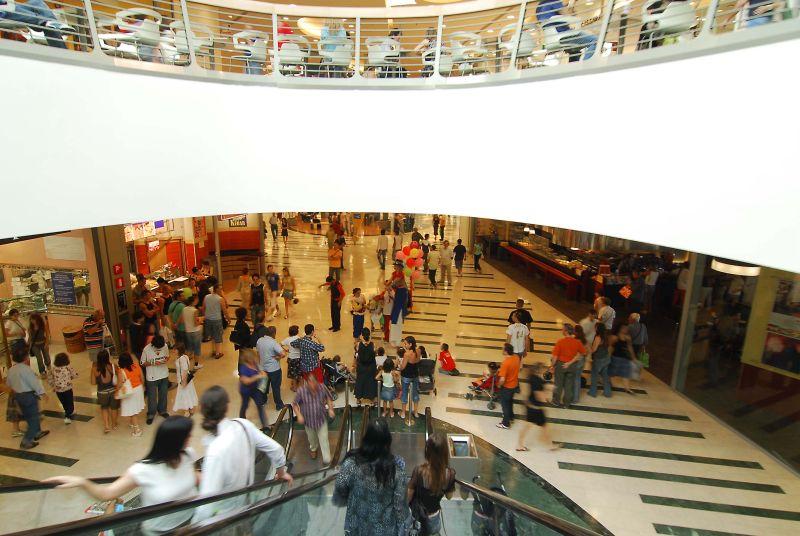 A novembre fiducia dei consumatori in deciso calo