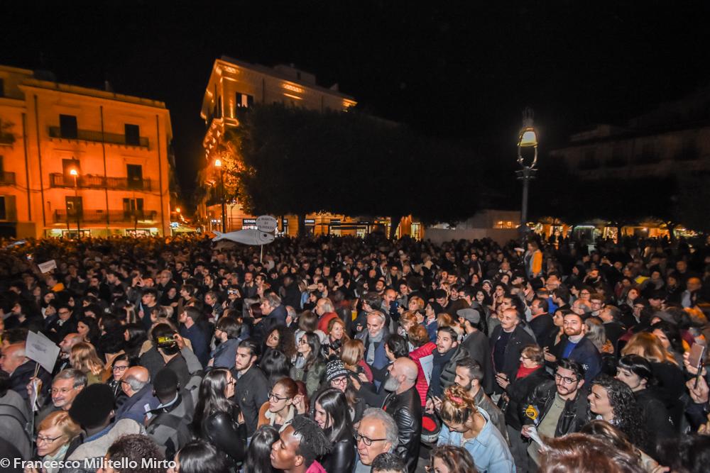 Popolo delle sardine a Palermo