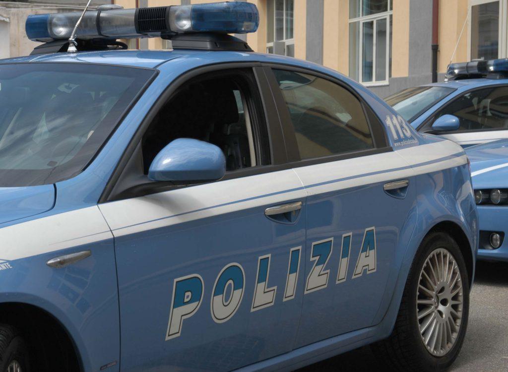 Rapina a corriere di latticini sventata a Palermo