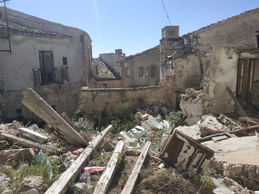 Degrado urbano a Raffadali