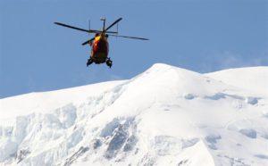 Valanga in Valtellina, sciatore travolto e tratto in salvo: è grave