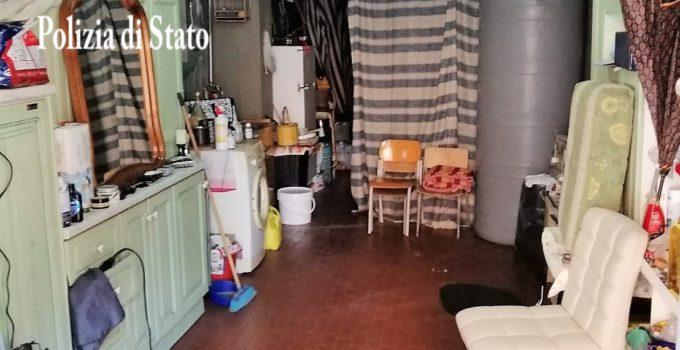 Scoperta 'barberia' abusiva in un magazzino