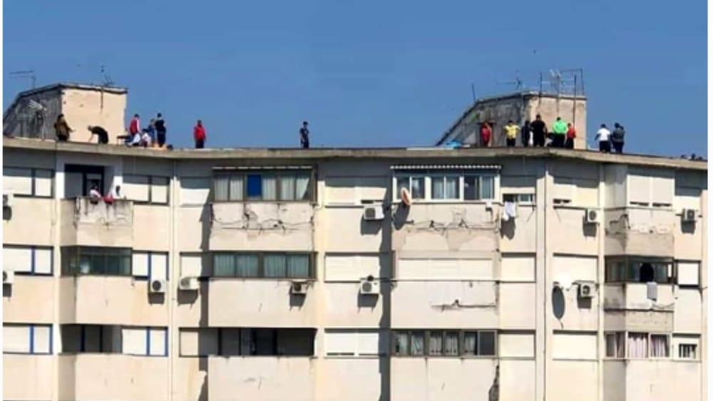 Grigliata collettiva sui tetti di Brancaccio
