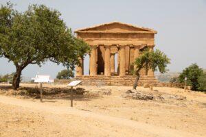 Ritrovare la Valle dei Templi,i siciliani invadono il Parco archeologico
