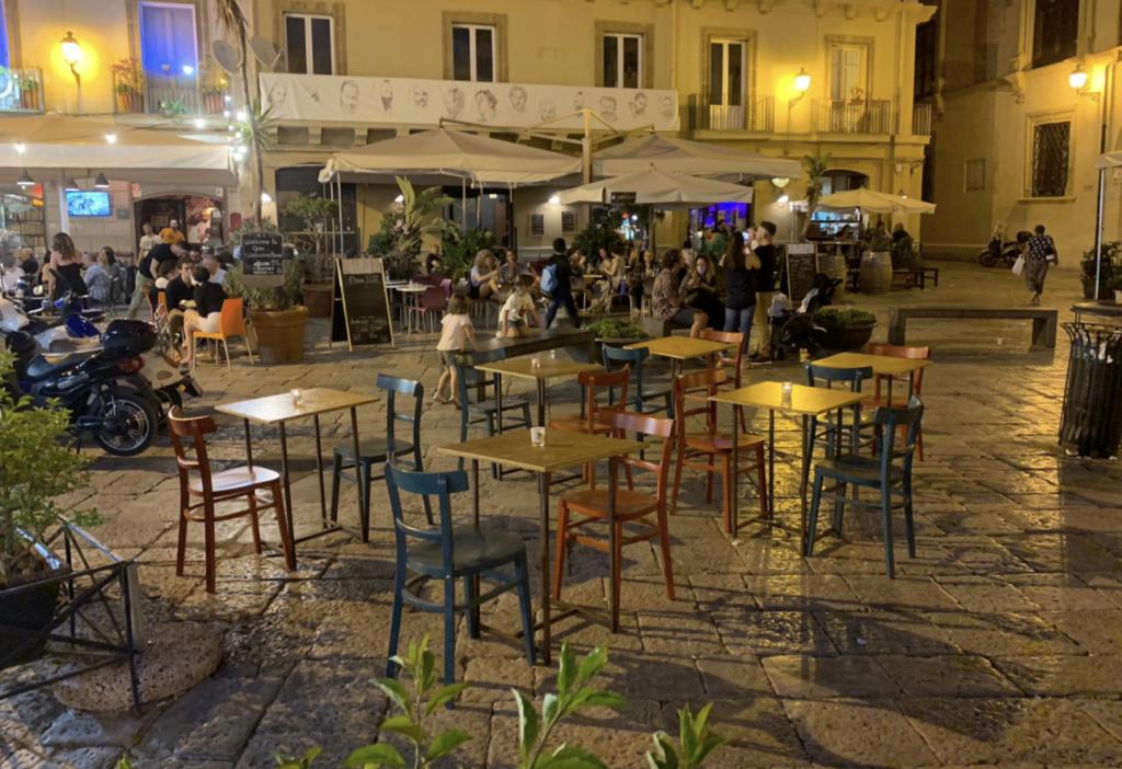 Spazi esterni ai locali di Palermo