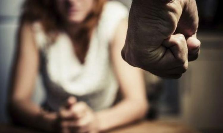 Violenze e maltrattamenti in famiglia