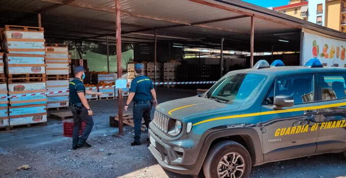 Violati i sigilli in un capannone