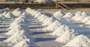 Riparte l'estrazione del sale in Sicilia, la Regione pubblica due bandi