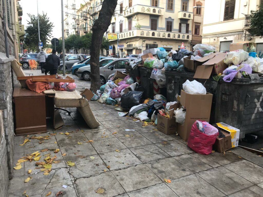 Raccolta rifiuti a Palermo