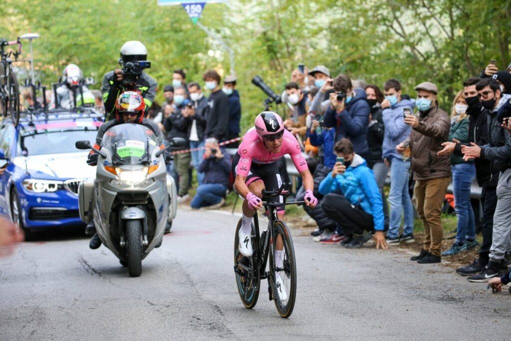 Giro 2020, 15a tappa: Geoghegan vince a Piancavallo, Almeida si difende