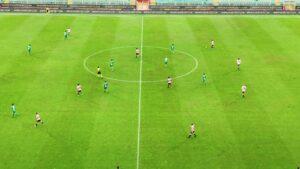 Il Palermo in vantaggio di due gol si fa riprendere dal Bari al 90'