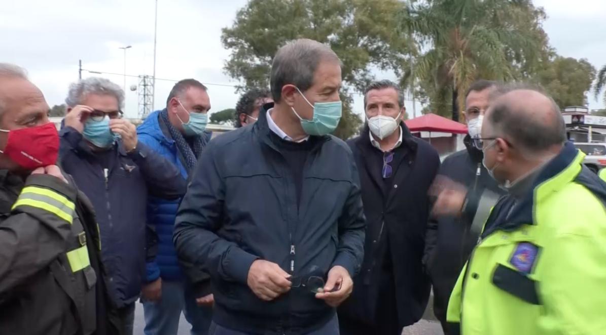 Sopralluogo di Musumeci a Catania dopo la tromba d'aria