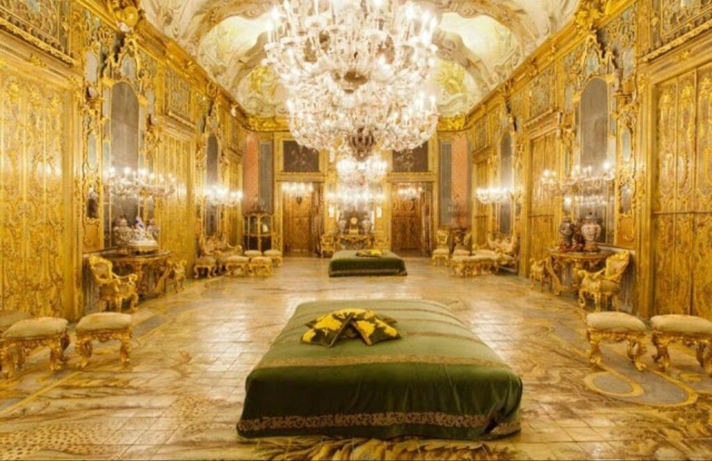 Riapre ai visitatori Palazzo Valguarnera Gangi dove fu girato il ballo de Il Gattopardo -
