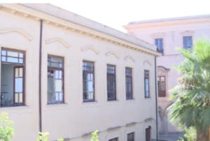Raid al liceo Regina Margherita: portati via pc e aule vandalizzate