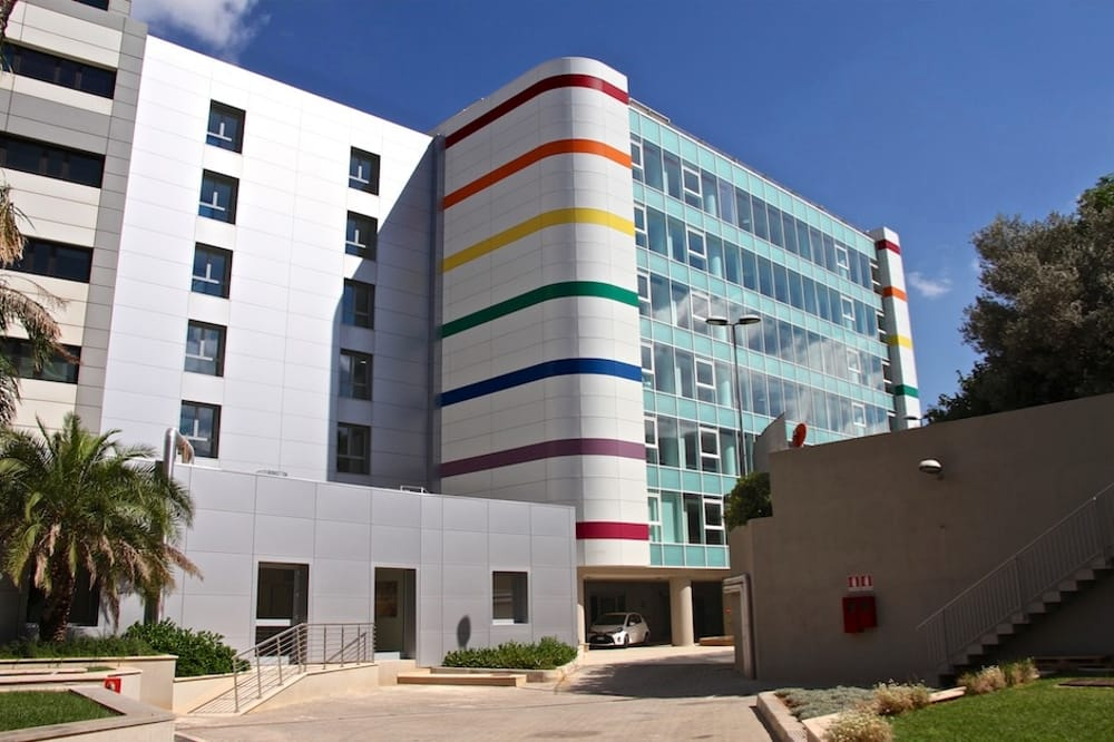 Terza dose di vaccino: a Palermo si comincia  all'ospedale La Maddalena